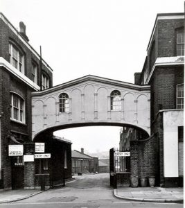 Entrance to Cubitts building yard on Gray's Inn Road, now demolished (London Metropolitan Archives)