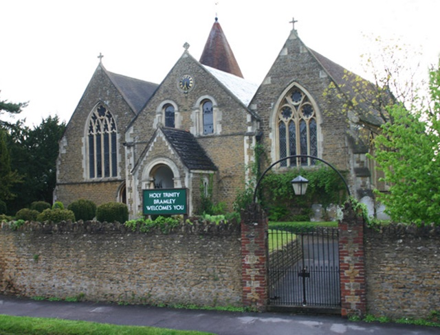 Holy Trinity, Bramley, Eric Hill, Geograph