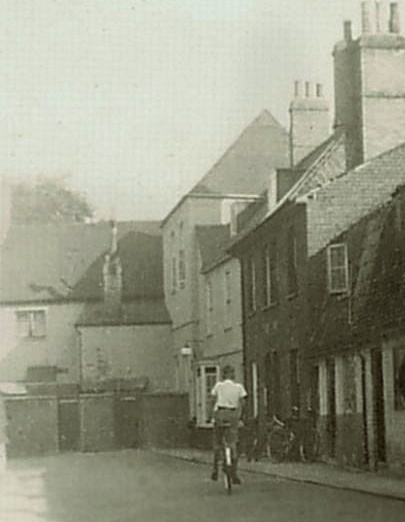 Grosvenor Yard, a vibrant, close-knit community from 1816-1949. Two Egan families lived here, on in the cottage adjacent to the pub in the backgroud. Photo and plan courtesy of Newmarket Local History Society and John Banks (?related to Margaret J .R -