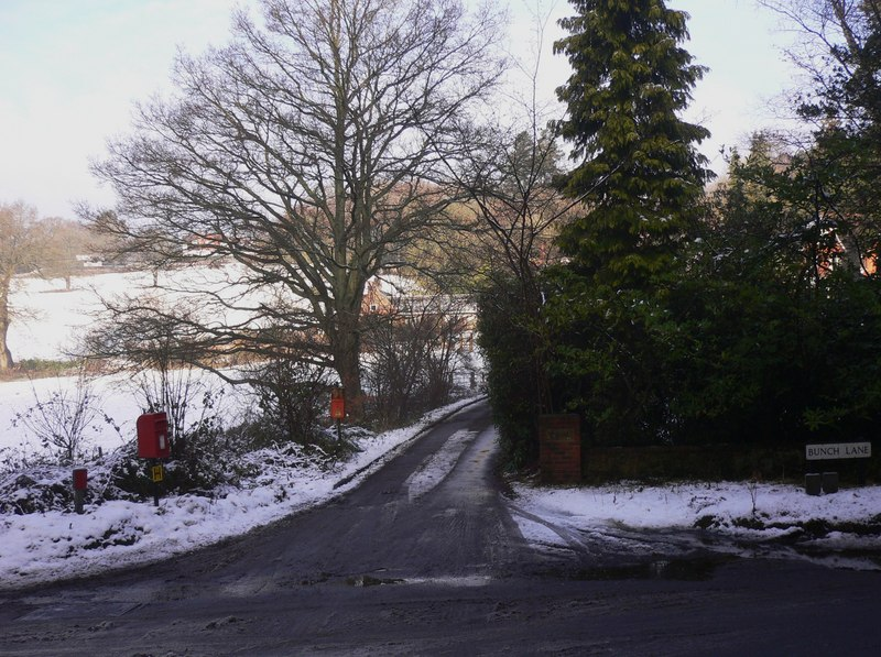 Bunch Lane, Haslemere at its junction with Inval Hill, photo courtiest Shazz, Geograph