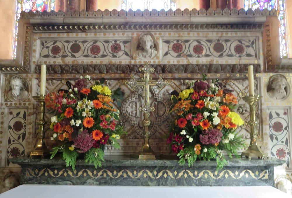 Altar both MJM 96 Harvest 2014